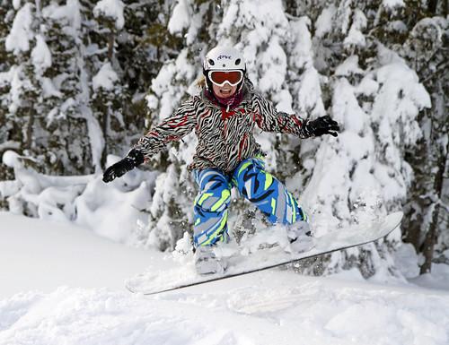 Anke snowboardjump