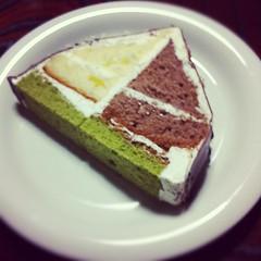 これはまた美味しそうなケーキですね(酔ってる