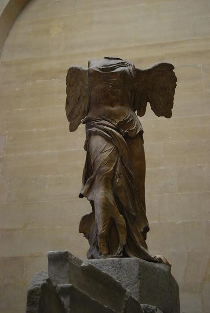 La Victoria de Samotracia en el Museo del Louvre de París