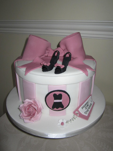 hat box cake designs