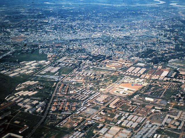 Không ảnh Sài Gòn 1964 - phía bên trái là đường Tô Hiến Thành - Photo by Warren Balish
