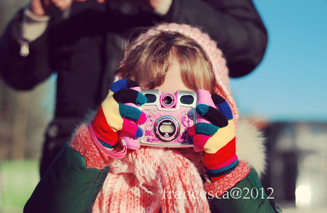A girl with a camera/1