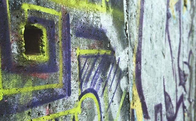 Dziurafitti. Petri 7s. Kodak ColorPlus.