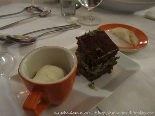 Sesammousse Polnischer Schokoladenkuchen mit Matcha_Käsecreme Apfel-Erdbeerstrudel