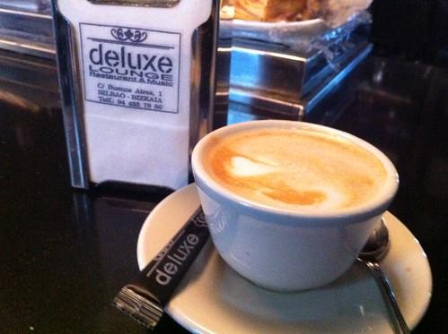 Cafe Restaurante LOUNGE de LUXE o un lujo small by LaVisitaComunicacion