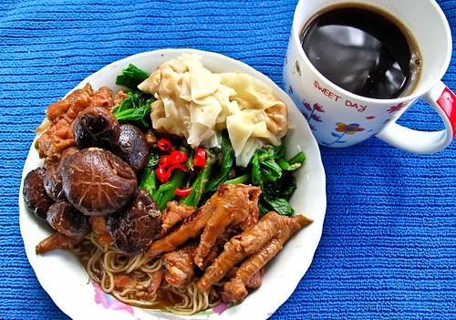 IMG_1969 早餐 :云吞面 + 咖啡 ; Breakfast : wanton noodle + coffee