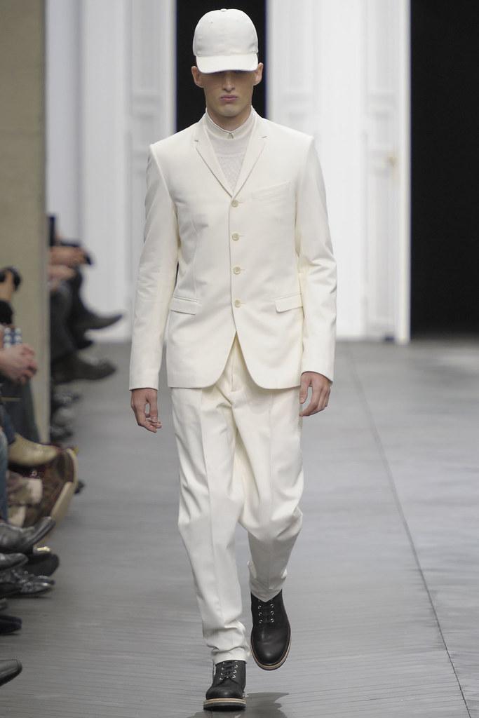 Charlie France3590_FW12 Paris Dior Homme(VOGUE)