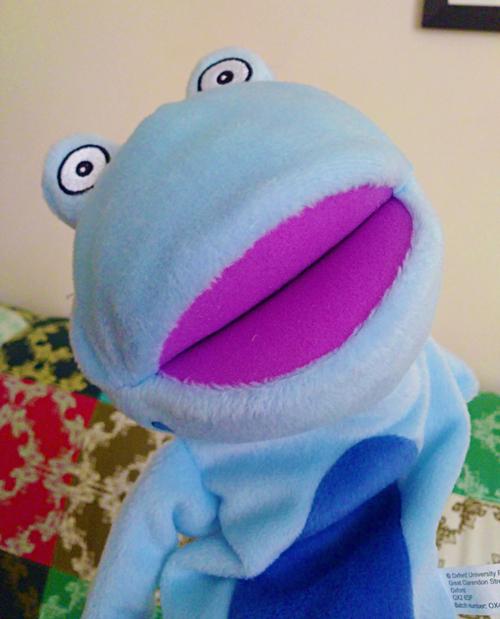 frankie puppet1