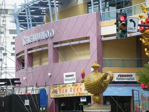 Neonopolis and Aladdin's Lamp
