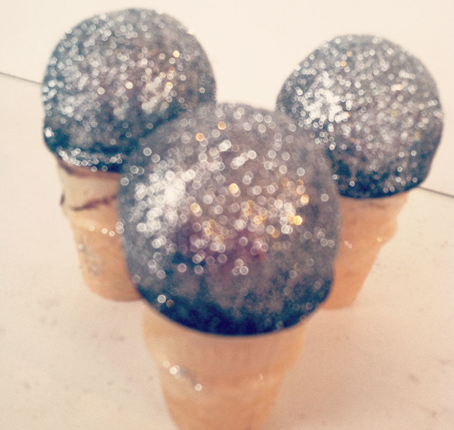 Edible microphone cake pops! Flickr - Photo Sharing!
