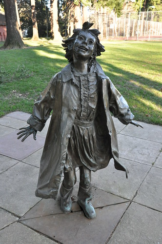 Ramona Quimby statue