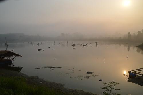 mist weather fog sunrise reflections thailand chiangrai wiangkaen