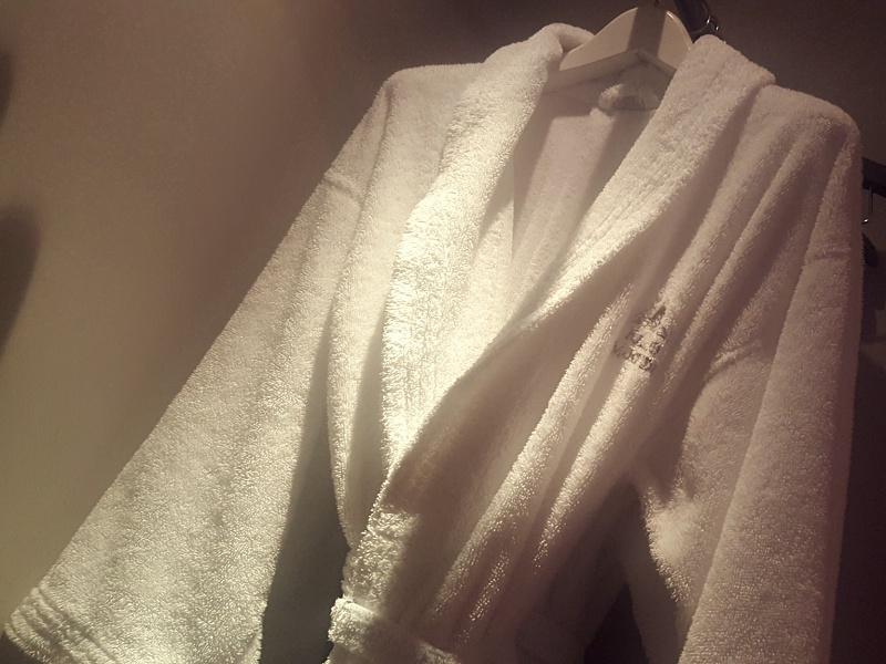 Palazzo Manfredi bathrobe
