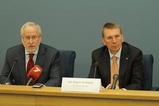 OECD ģenerālsekretāra vietnieks apsveic ārlietu ministru ar Latvijas uzaicināšanu kļūt par organizācijas dalībvalsti