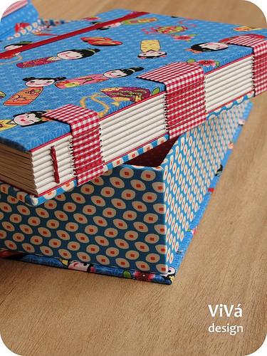 Conjunto: caixa + booklet