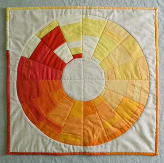 Mini Quilt of the Month: December, Golden Wreath Quilt