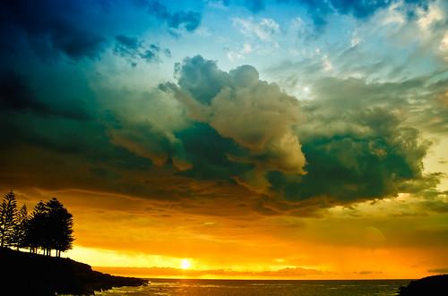 ccraigpowell australia kiama nsw nikond7000 places projectortheme seascape sunrise weatherandtime storm thunderstorm cloud cloudscape