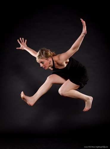 GG_A-WOL1_PhotoNickDawes_SnapBangWallop_DancerJenLivengood