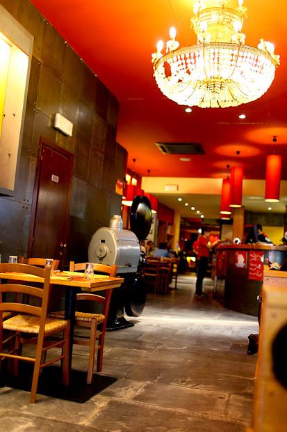 Inside Pizza Ae Oche Venice, Italy