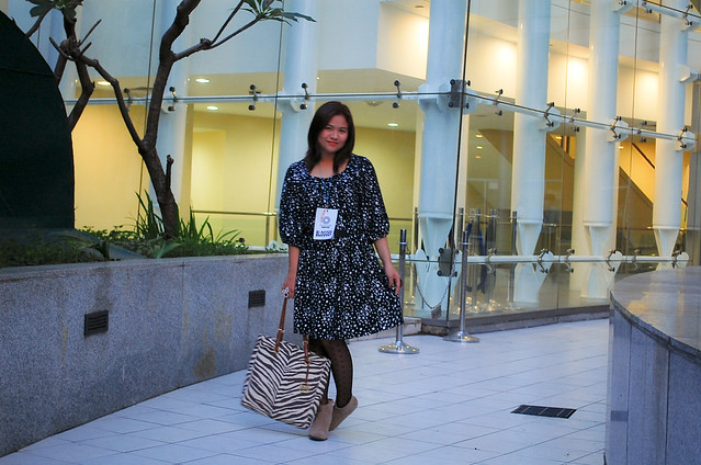 star print dress, denise katipunera, pinay fashion blogger, fashion on a budget, mommy style, thrift finds, ukay ukay dress,
