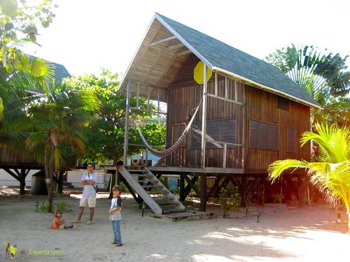 private luxury wood cabins maya beach placencia