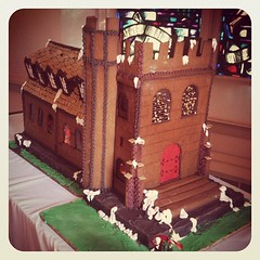 gingerbread house, food, dessert,