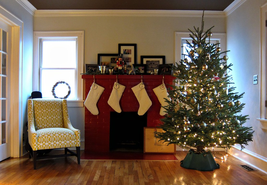 Christmas Room With Fireplace