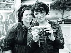 הבחורה עם המצלמה שמה מאיה, היא דנית ואבא שלה ישראלי