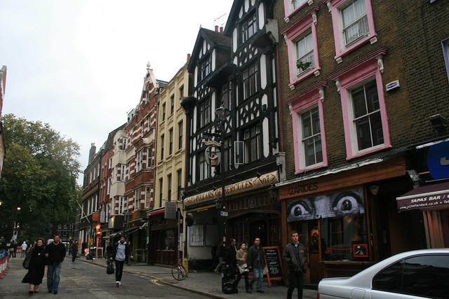 Greek Street en el Soho de Londres