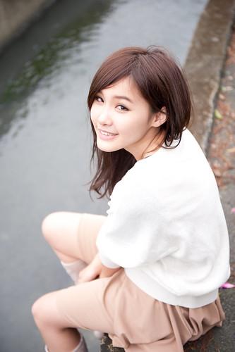 [フリー画像素材] 人物, 女性 - アジア, 台湾人, 女性 - 座る ID:201201190800