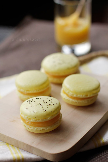 Lemon Poppyseed Macarons