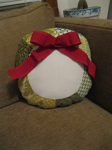 Wreath pillow