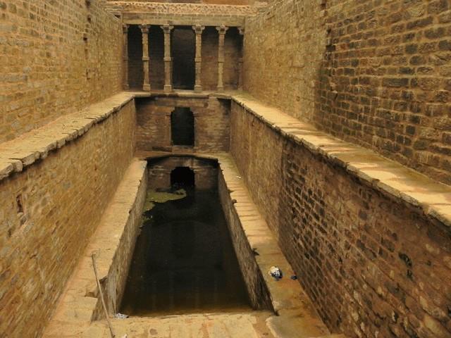 Gandhak ki Baoli - Stepwells in Delhi