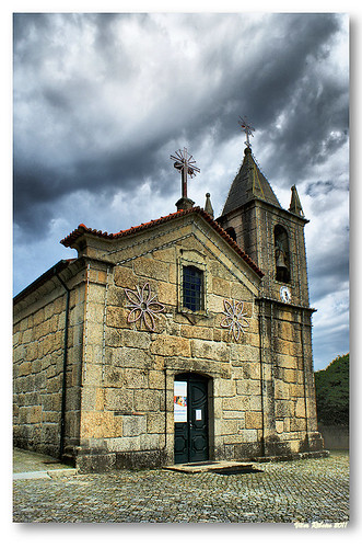 Igreja Matriz de Penselo by VRfoto