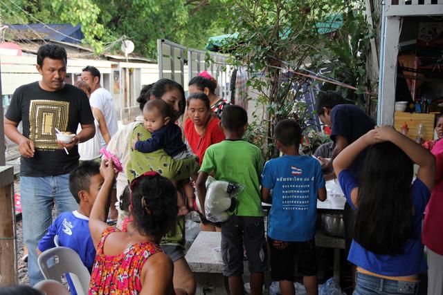 Volunteering in Yommarat