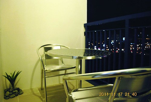 Balcony with Makati view