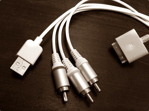 Aftermarket Apple Composite AV Cable