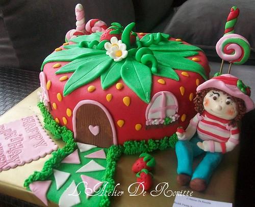 Çilek Kız Çilek Evi Pasta by l'atelier de ronitte