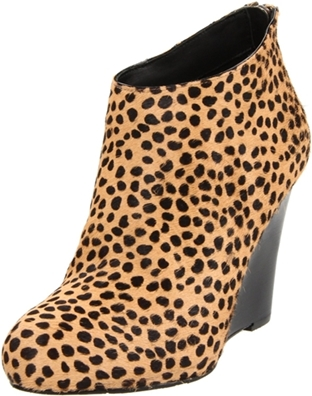 DKNY Women's Aura Ankle Boot