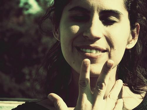 Sonriendo al viejo estilo by LuchoVaS