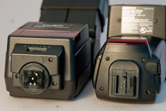 4000AF compared with the Sony FLV42AM Flash.