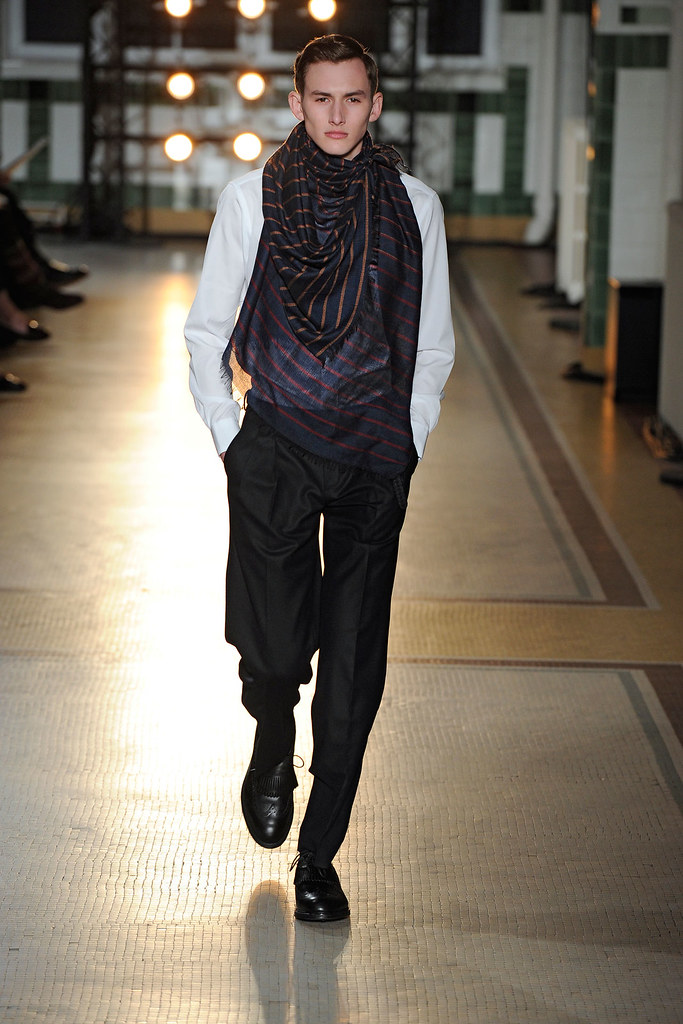 FW12 Paris Wooyoungmi019_Jordan Postrel(VOGUE)