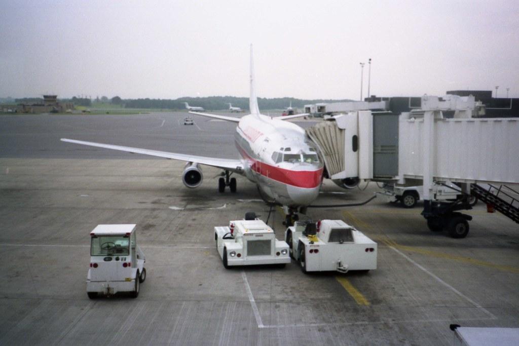 Northwest 737