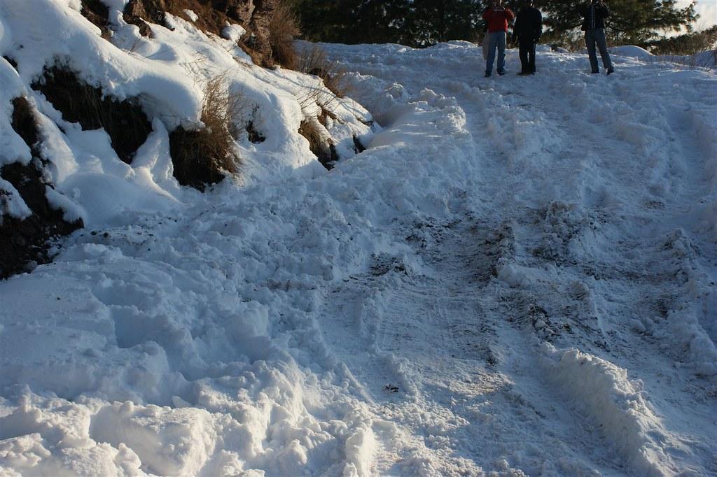 Muzaffarabad Jeep Club Snow Cross 2012 - 6796512895 a022e98d27 b