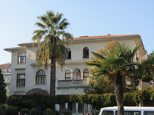 Balikesir: Old beautiful house on Vasif Cinar Cd (1)