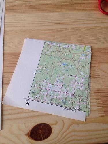 Map globe garland