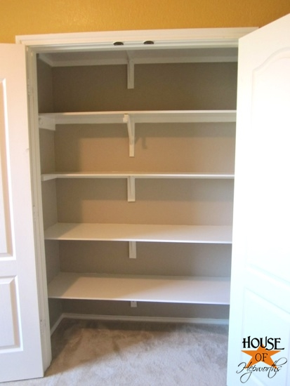 guest_shelves_hoh_1