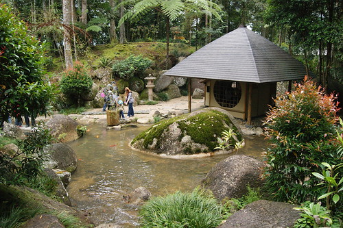 waiting house-japanese garden