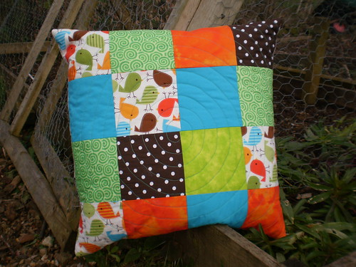 Cushion with circular quilting