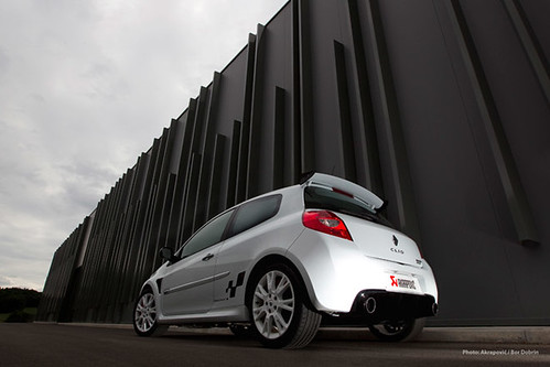 Clio / Lutecia Ⅲ RS 専用 ステンレスエキゾーストシステム AKRAPOVIC(アクラポビッチ)製